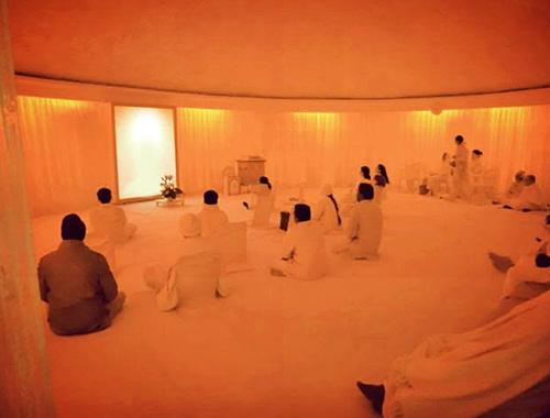 インド・マドバンの瞑想ルームの写真